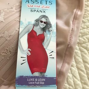Lace Full Slip by ASSETS Red Hot Label by SPANX